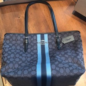Coach purse brand new!! With tags